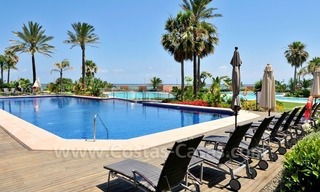 Luxe beachfront appartement te koop in Malibu, Puerto Banus, Marbella 26