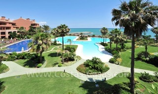 Luxe beachfront appartement te koop in Malibu, Puerto Banus, Marbella 2