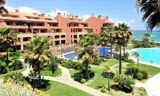 Luxe beachfront appartement te koop in Malibu, Puerto Banus, Marbella 3