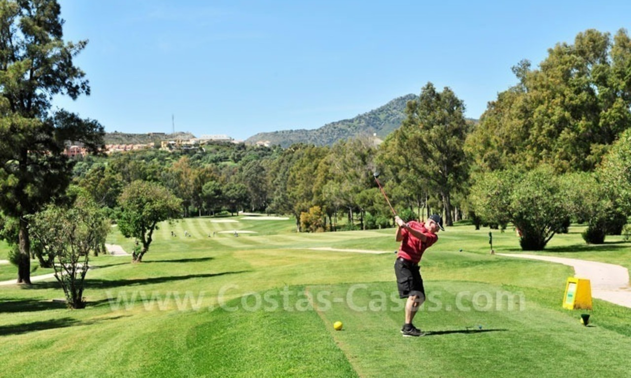 Marbella for sale: luxe front line golf appartementen te koop Marbella Benahavis 24