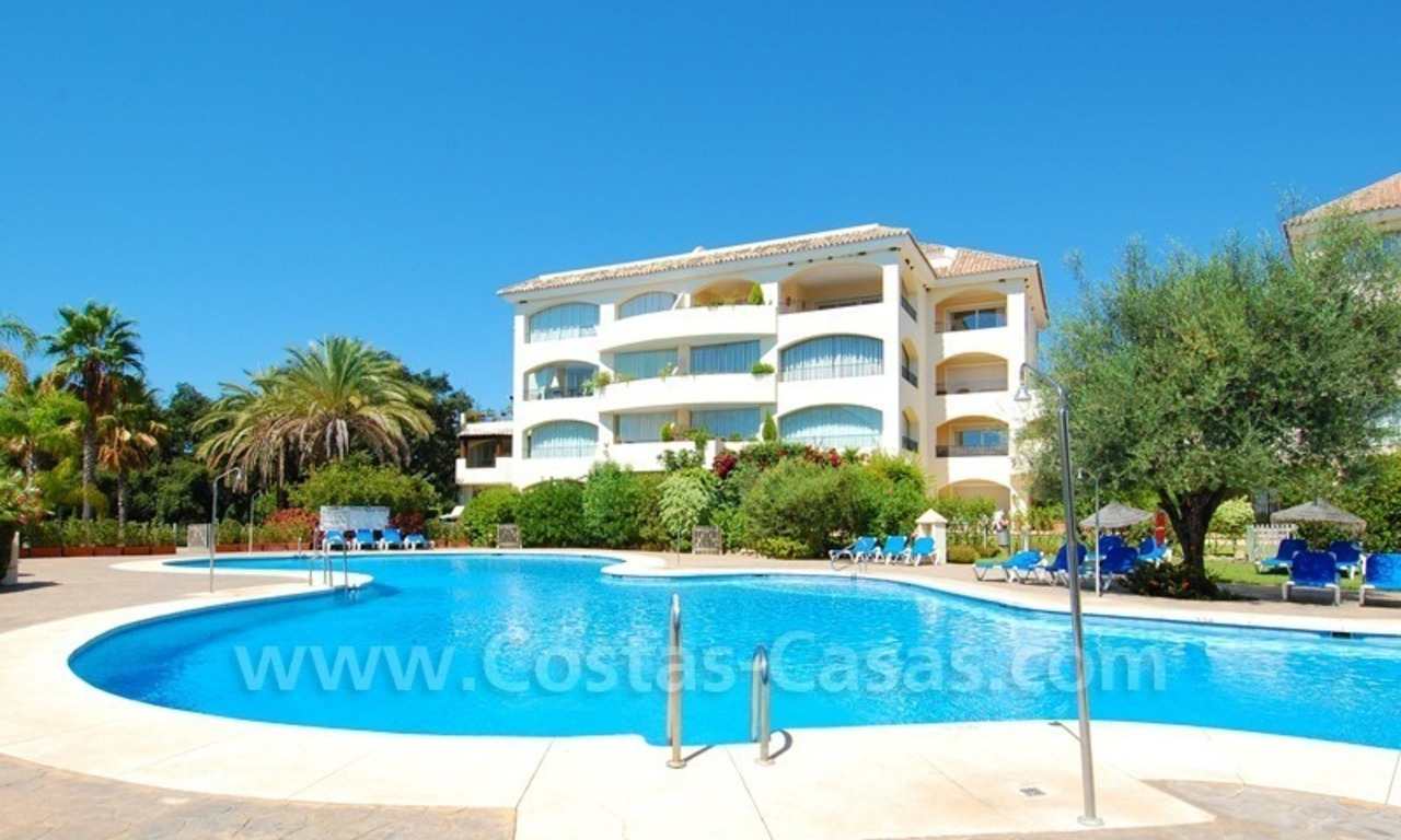 Beachside appartement te koop in Marbella 1