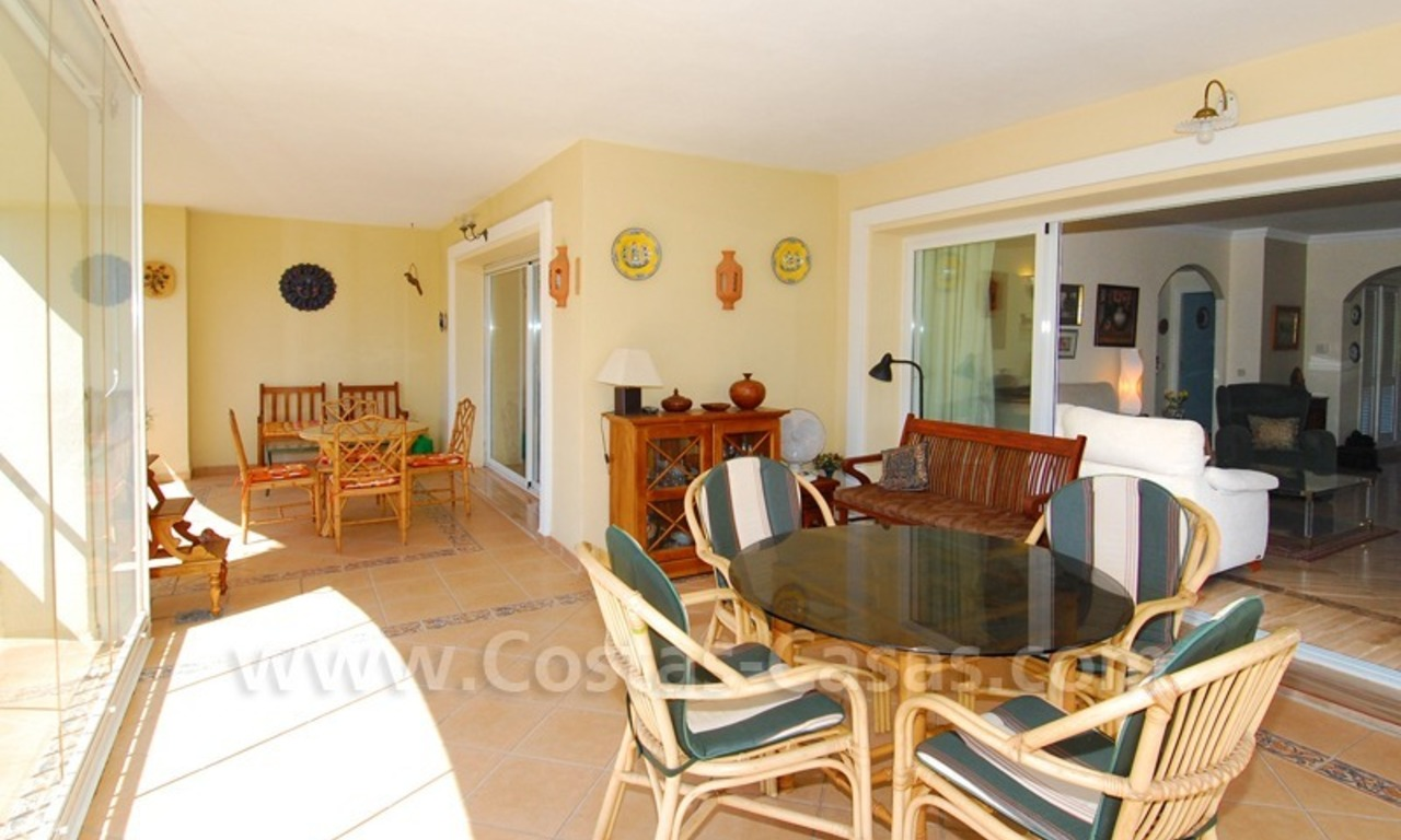 Beachside appartement te koop in Marbella 8
