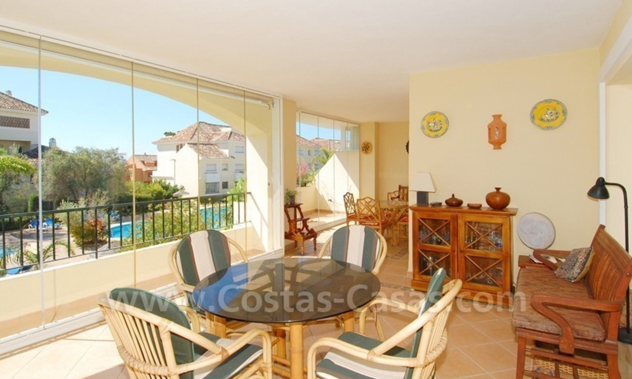 Beachside appartement te koop in Marbella 7