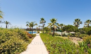 Strand appartement te koop in beachfront complex te Marbella 1