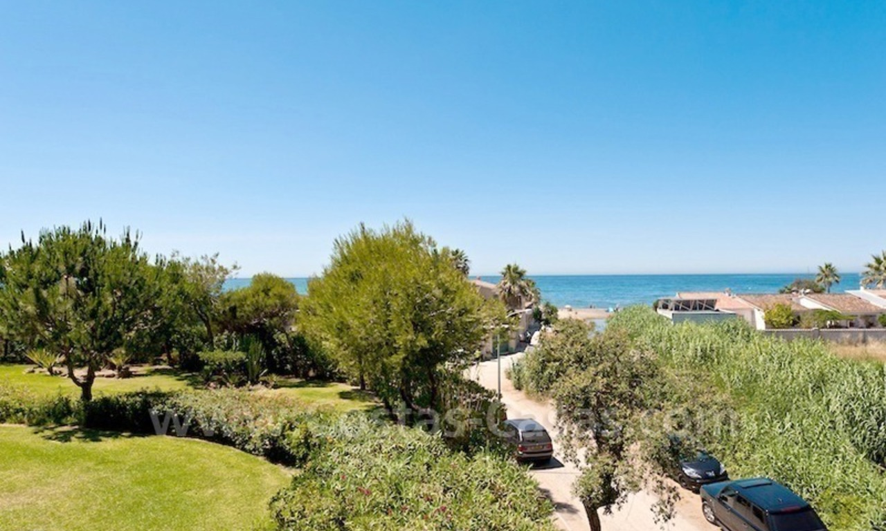 Strand appartement te koop in beachfront complex te Marbella 0