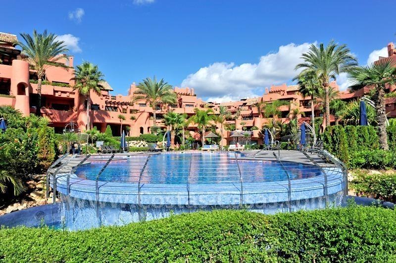 Eerstelijnstrand luxe appartement te koop marbella estepona - Domotica marbella ...