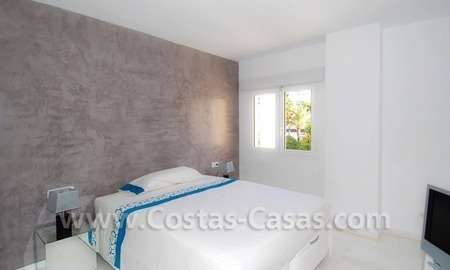 Beachside luxe appartement te koop in Puerto Banus te Marbella 8