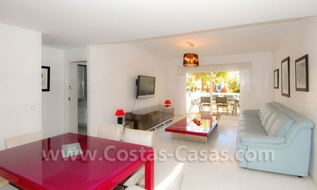 Beachside luxe appartement te koop in Puerto Banus te Marbella 4