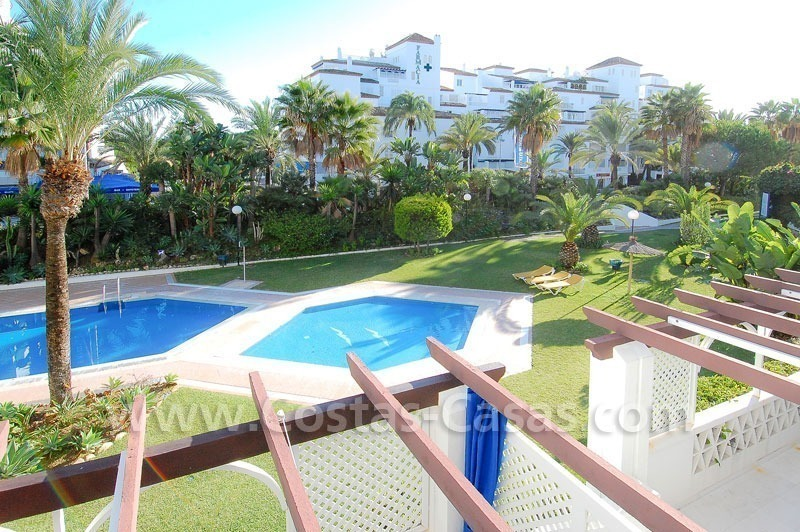 Beachside luxe appartement te koop in Puerto Banus te Marbella 1