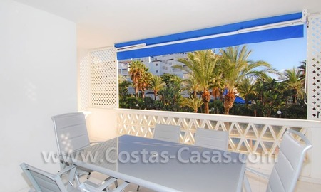 Beachside luxe appartement te koop in Puerto Banus te Marbella 2