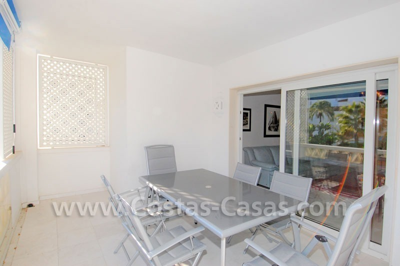 Beachside luxe appartement te koop in Puerto Banus te Marbella 3