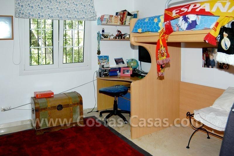 Villa te koop direct aan golf san pedro marbella koopje - Plan slaapkamer kleedkamer ...