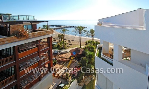 Beachfront luxe penthouse appartement te koop in Puerto Banus te Marbella