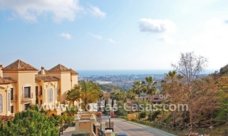 Koopje! Luxe golf appartment te koop in golfresort, Nueva Andalucia, Marbella 2