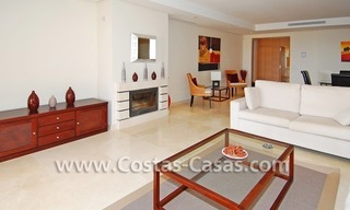 Koopje! Luxe golf appartment te koop in golfresort, Nueva Andalucia, Marbella 3
