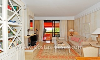 Te huur in Marbella - Benahavis: Luxueus en trendy appartement in Mediterrane stijl 5