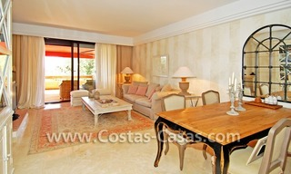 Te huur in Marbella - Benahavis: Luxueus en trendy appartement in Mediterrane stijl 4