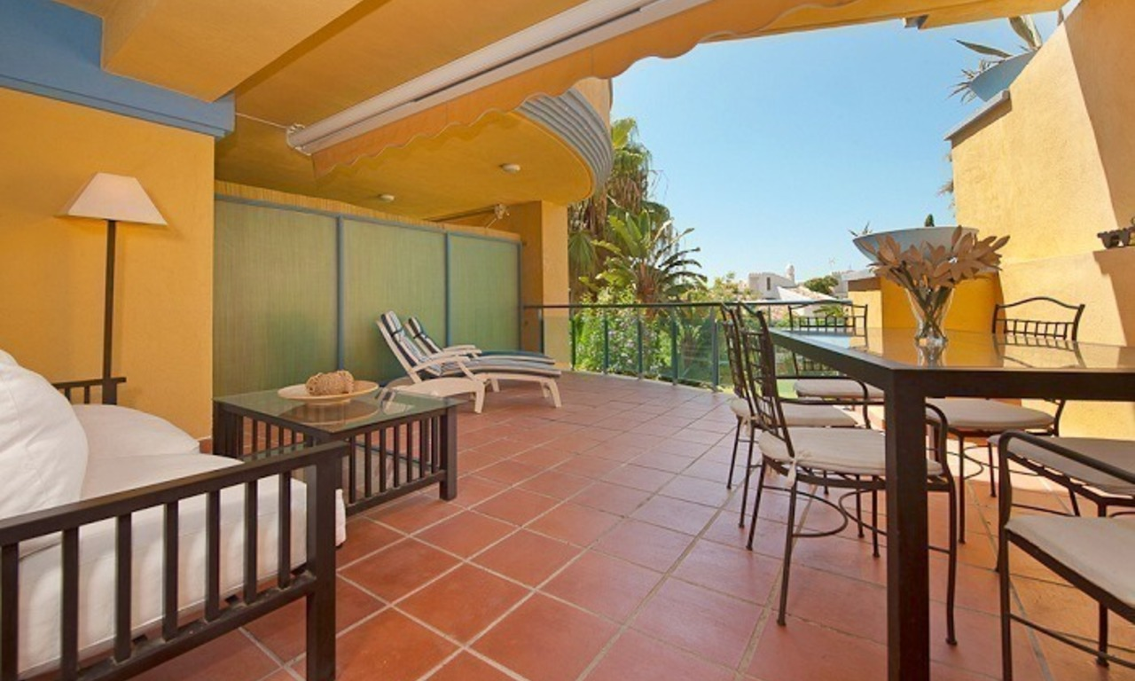 Beachside appartment te koop nabij het strand in Marbella 0