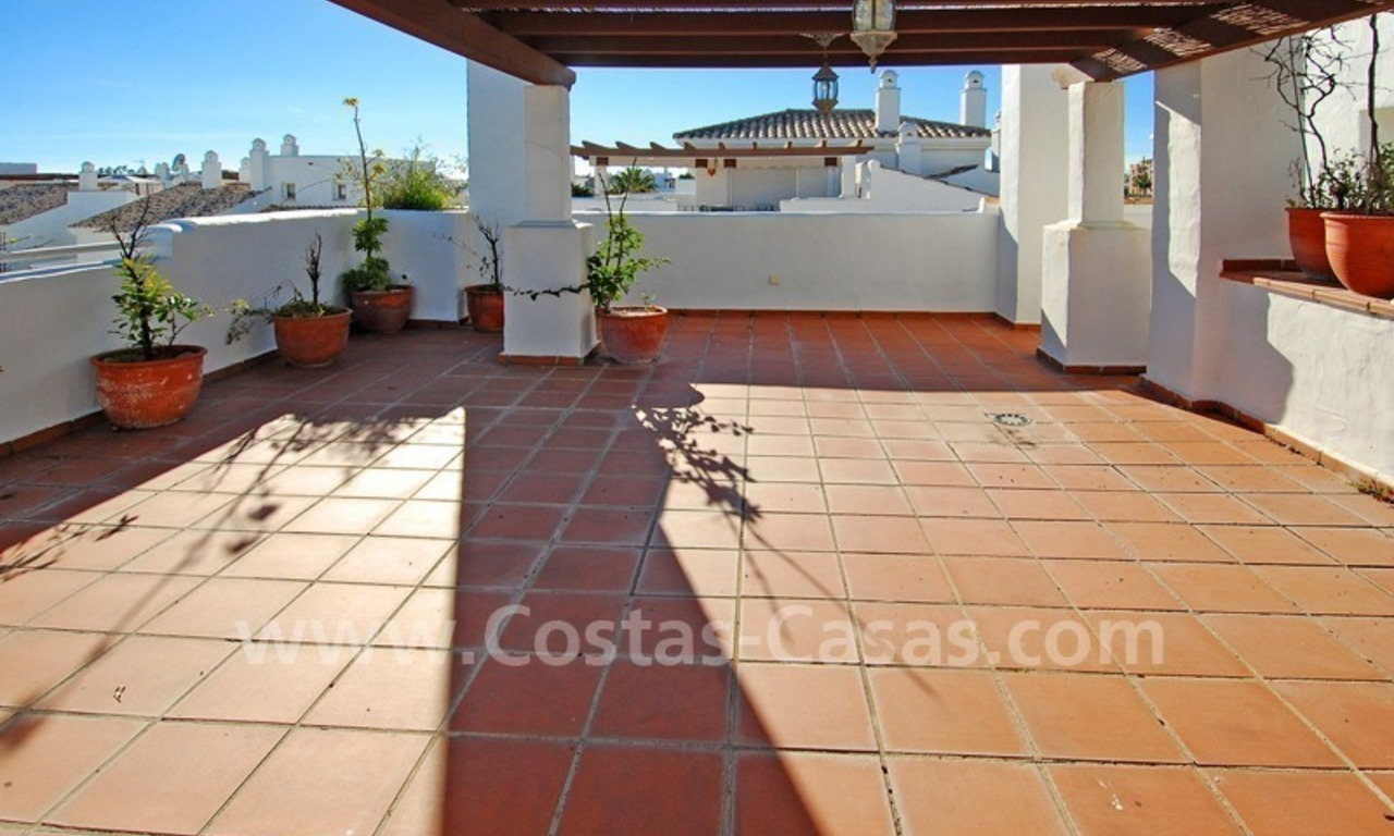 Beachside penthouse appartement te koop in Marbella 1