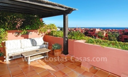 Beachside penthouse appartement te koop, tweedelijnstrand complex, New Golden Mile, Marbella - Estepona