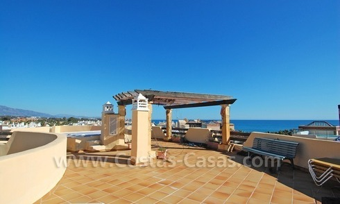 Luxe beachside penthouse appartement te koop op de New Golden Mile, Marbella – Estepona