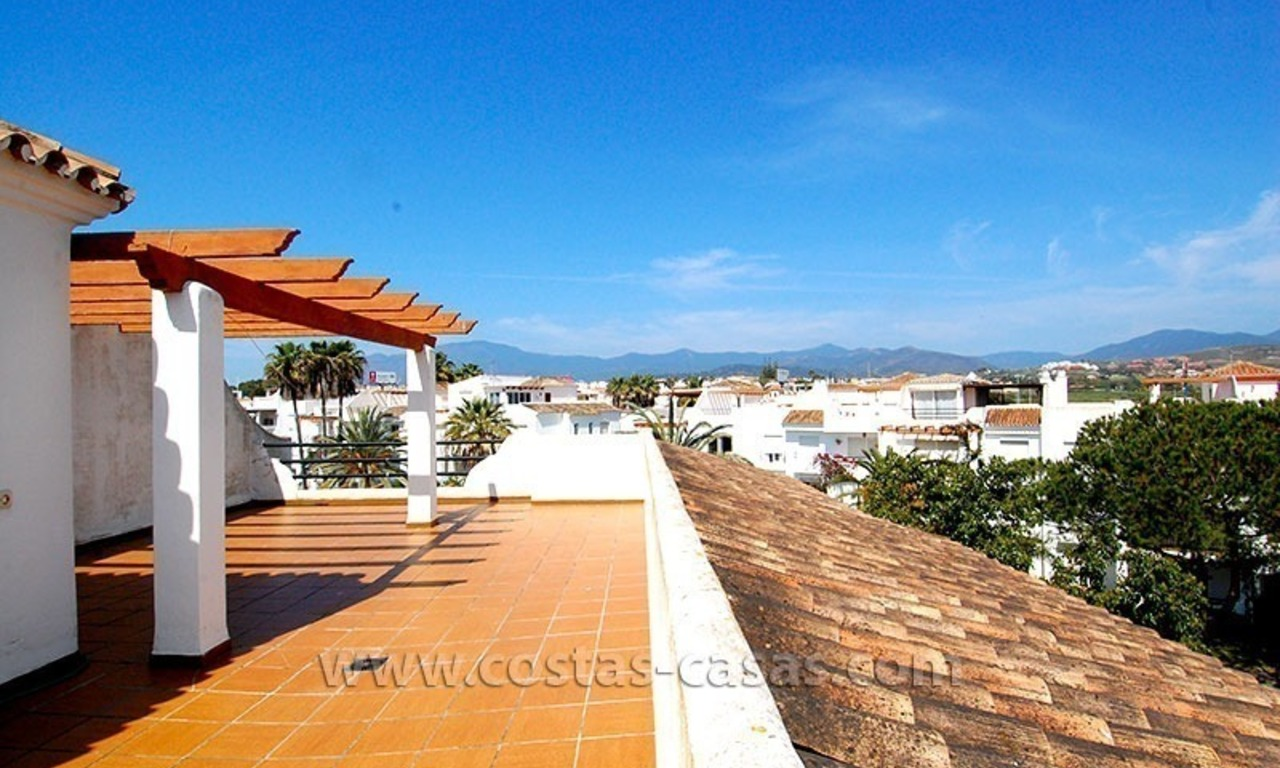 Beachside penthouse appartement te koop op de New Golden Mile tussen Marbella en Estepona 3