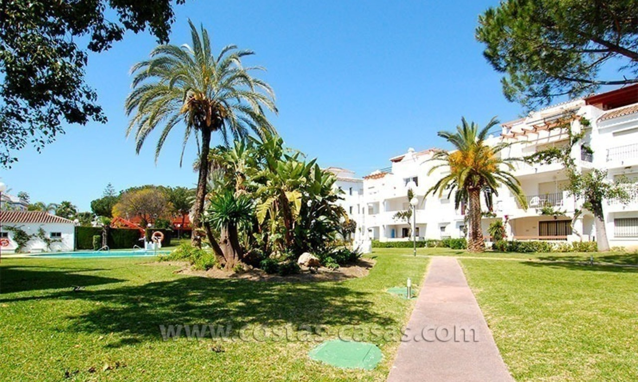 Beachside penthouse appartement te koop op de New Golden Mile tussen Marbella en Estepona 14