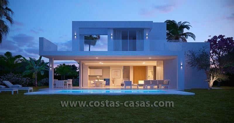 Nieuwe moderne villa te koop met grote terrassen in oost Marbella