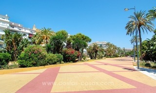 Perfect location!! Beachside apartment for sale in Puerto Banús 14