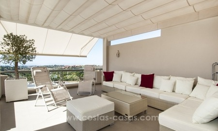 Modern, luxe golf penthouse appartement te koop in Marbella - Benahavís