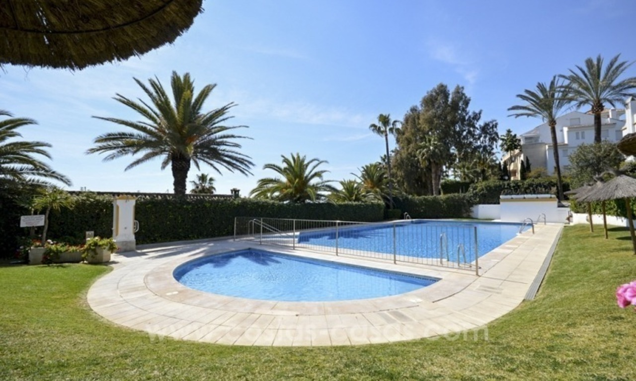 Beachside townhouse te koop op de Golden Mile in Marbella 2
