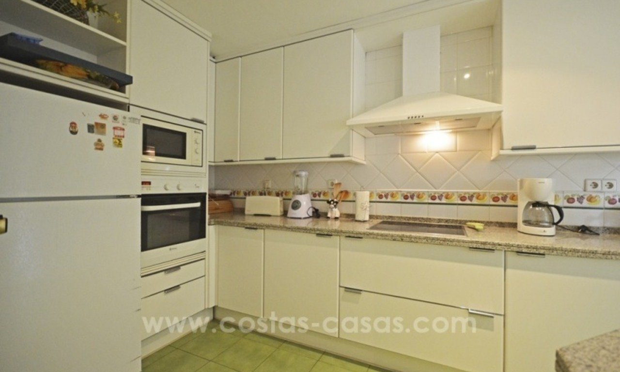 Beachside townhouse te koop op de Golden Mile in Marbella 20