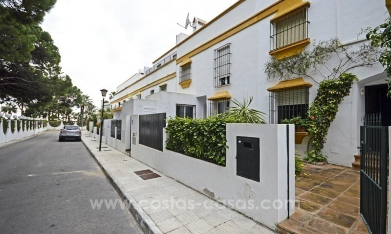 Beachside townhouse te koop op de Golden Mile in Marbella 3