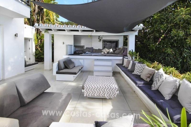 Marbella benahavis for sale moderne villa te koop met zeezicht - Moderne stijl lounge ...