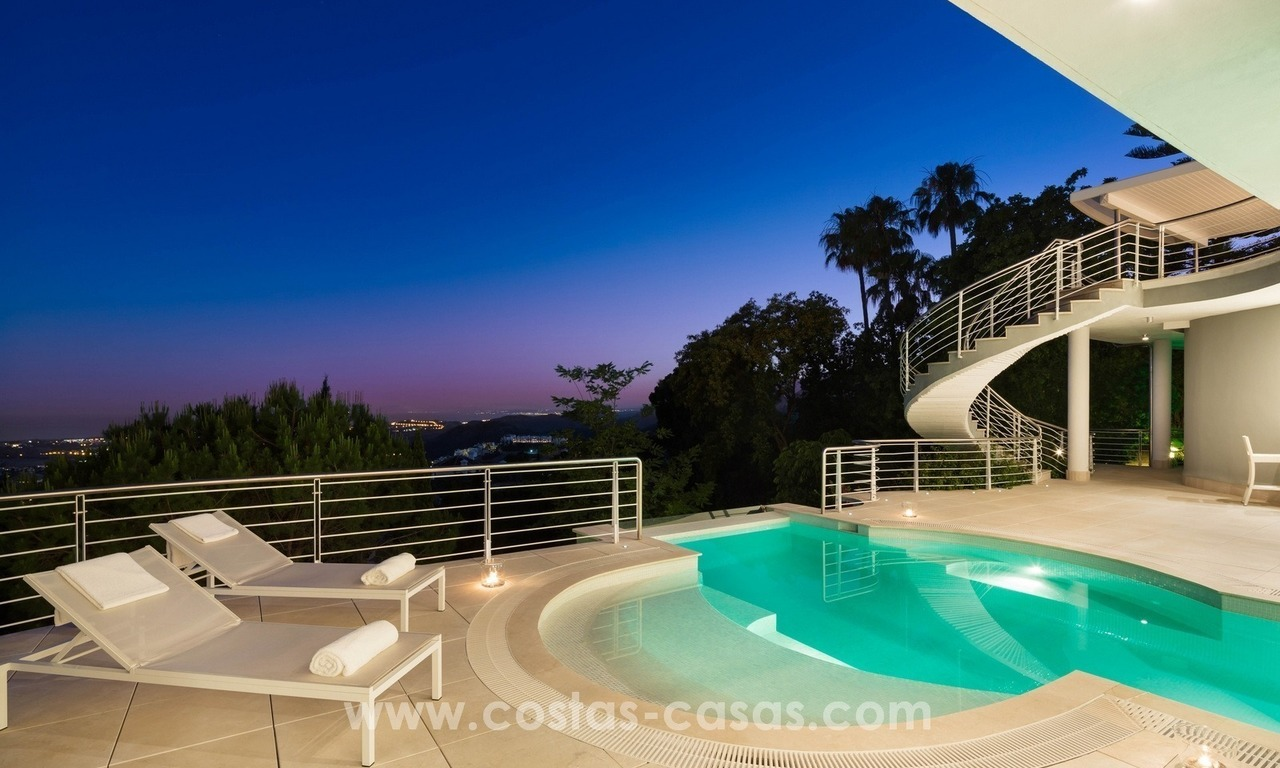 Contemporaine design Villa te koop in El Madroñal te Benahavis - Marbella 23