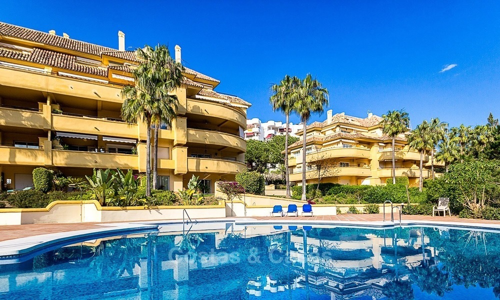 Eerstelijn Golf Luxe Appartement te koop in een Gated Community in Rio Real, Marbella 1856