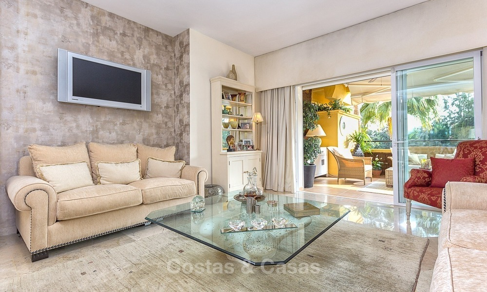 Eerstelijn Golf Luxe Appartement te koop in een Gated Community in Rio Real, Marbella 1860