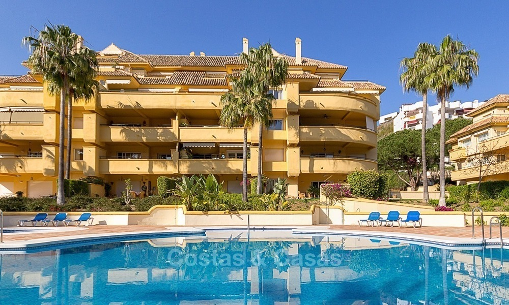 Eerstelijn Golf Luxe Appartement te koop in een Gated Community in Rio Real, Marbella 1886