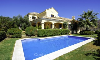 Luxe villa te koop in een gated golf resort Marbella - Benahavis 14075