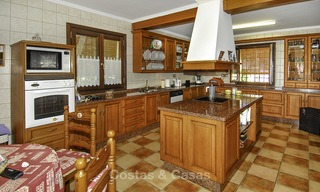 Luxe villa te koop in een gated golf resort Marbella - Benahavis 14081